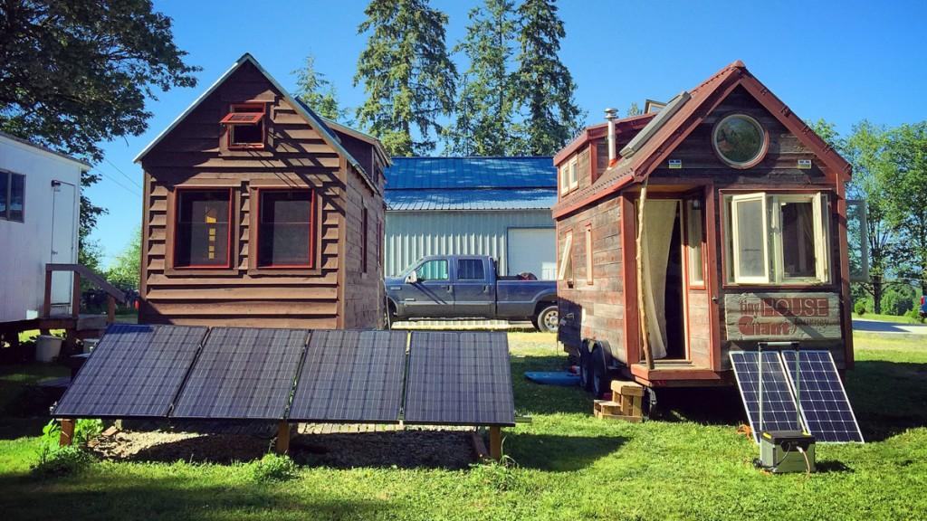 THGJ and Tiny Tack House - 0003