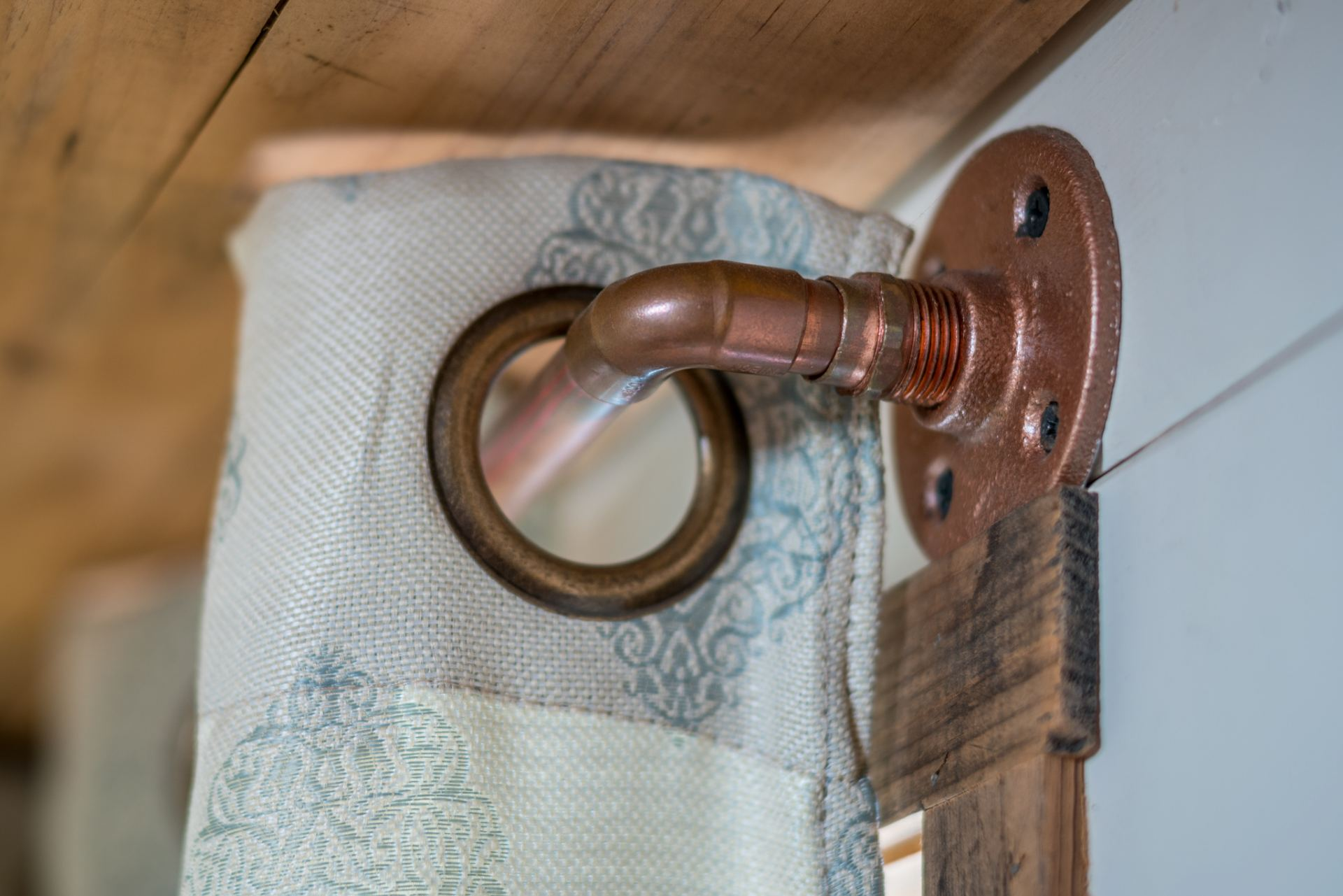 Copper Curtain Rod Copper Curtain Rods Easy Diy For Tiny Home Interior Design