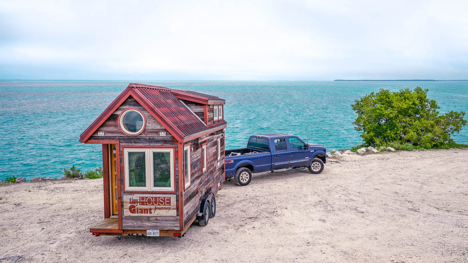 Florida Keys: Tortuga Titanic & Lobster Warrior - Tiny House Giant Journey