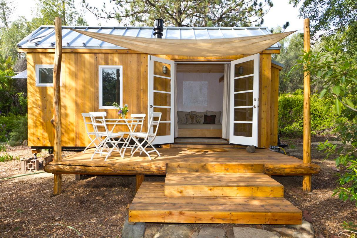 Vinau0027s Tiny House & Front Door Options for Tiny Houses That Look Amazing!