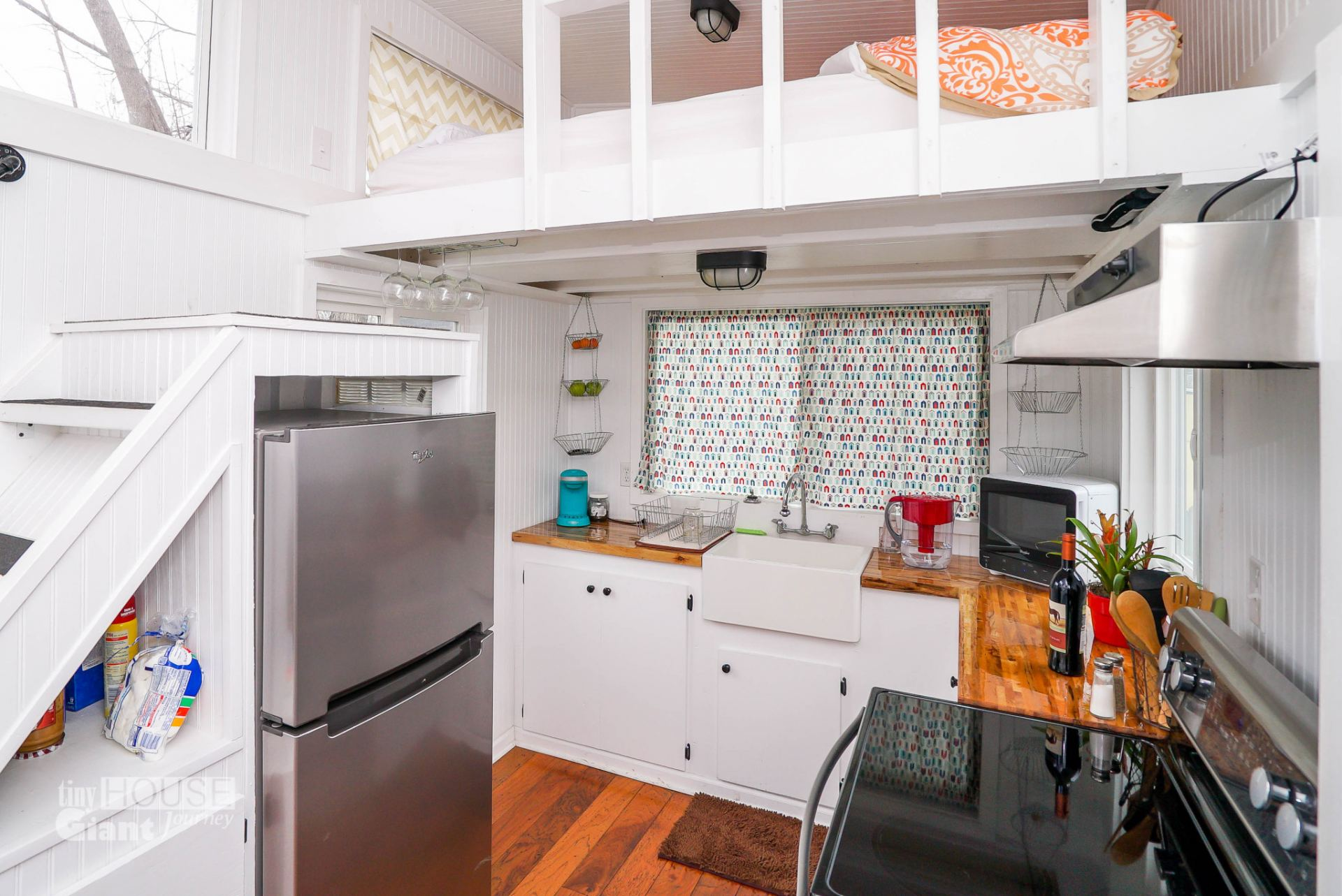 10 tiny house tricks to declutter your kitchen counters for Tiny house blueprint maker