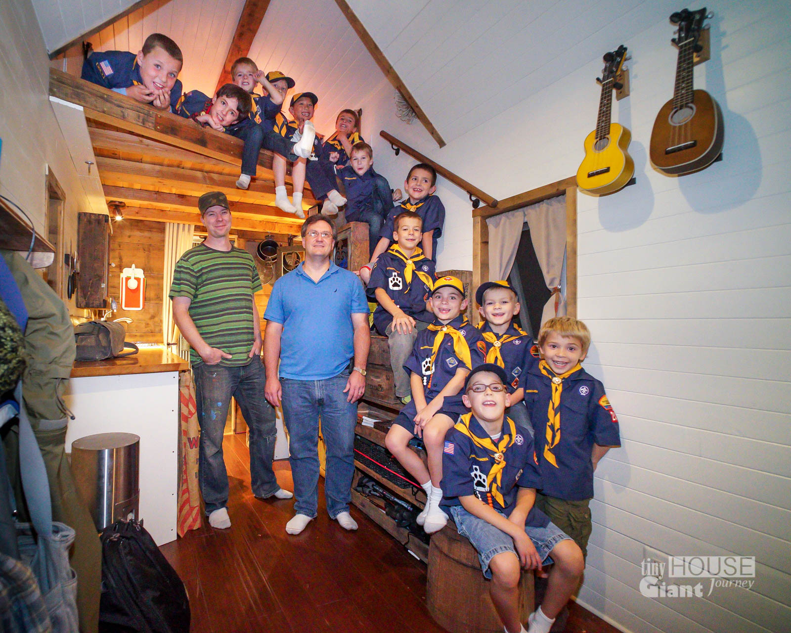 Thgj tiny house scouts tiny house giant journey - The scouts tiny house ...