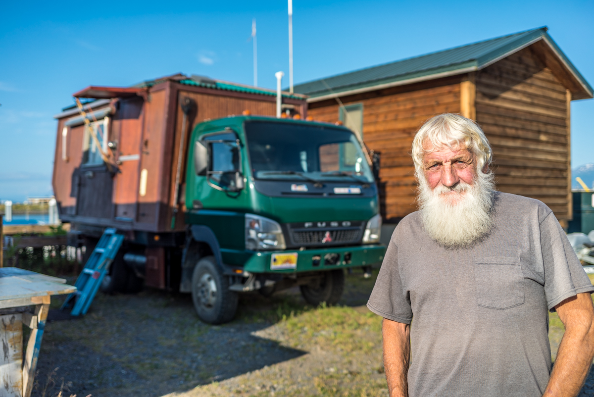 75 Year Old Man Travels World in Incredible House Truck