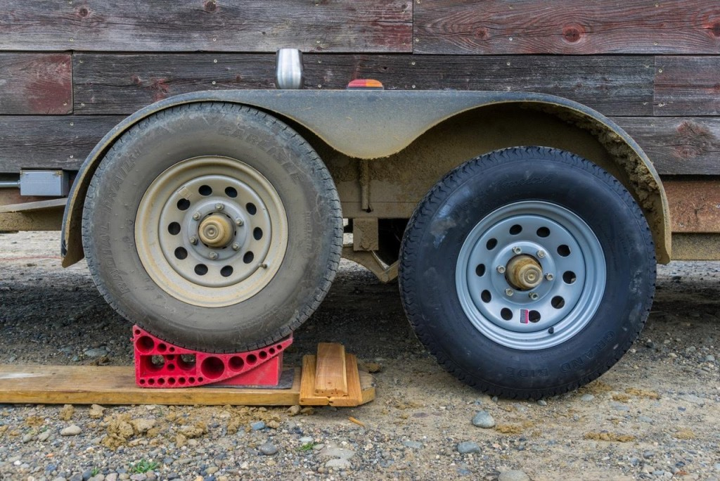 Tiny House trailer Flat Tire