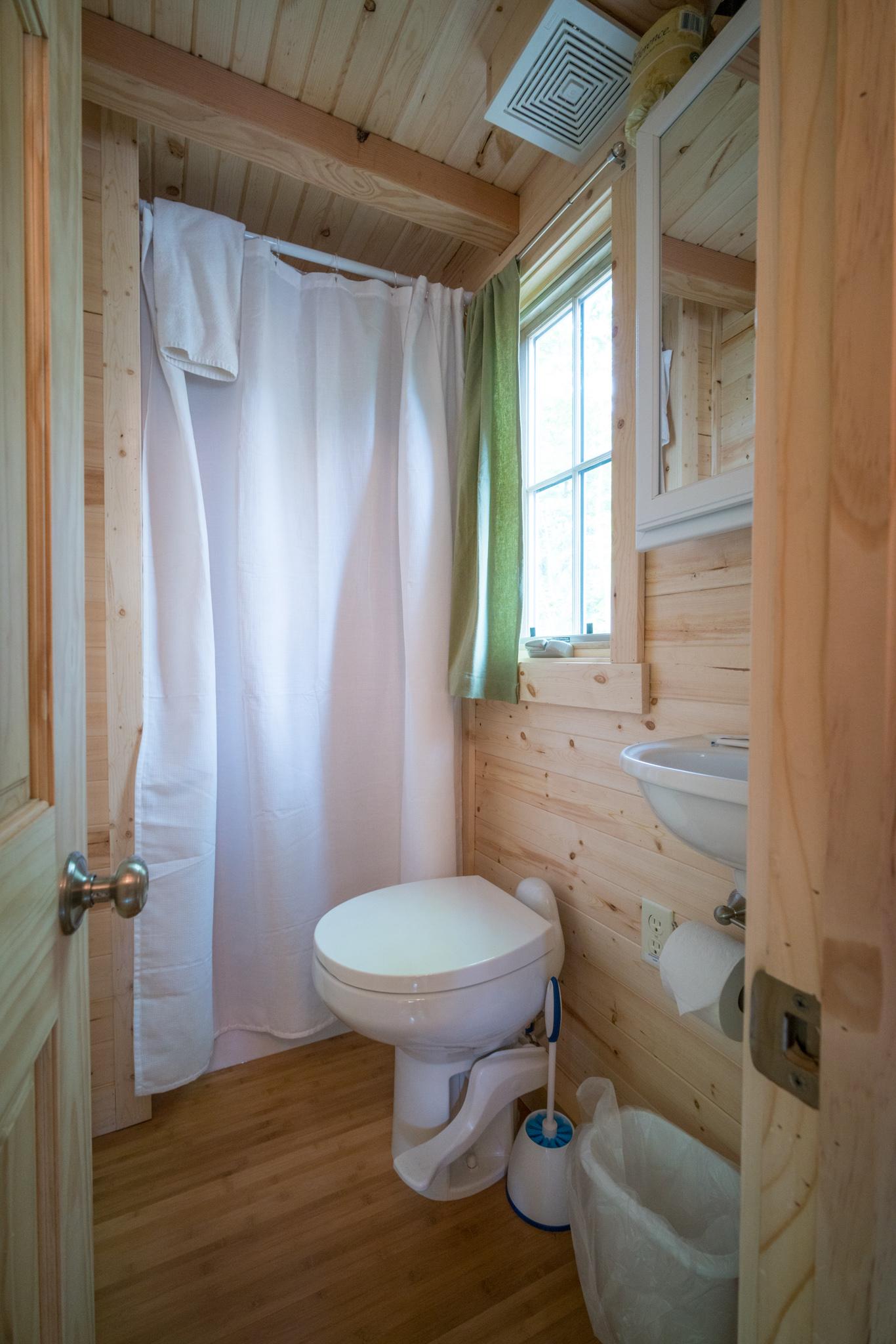 Mt Hood Tiny House Village Savannah Tumbleweed – 0014