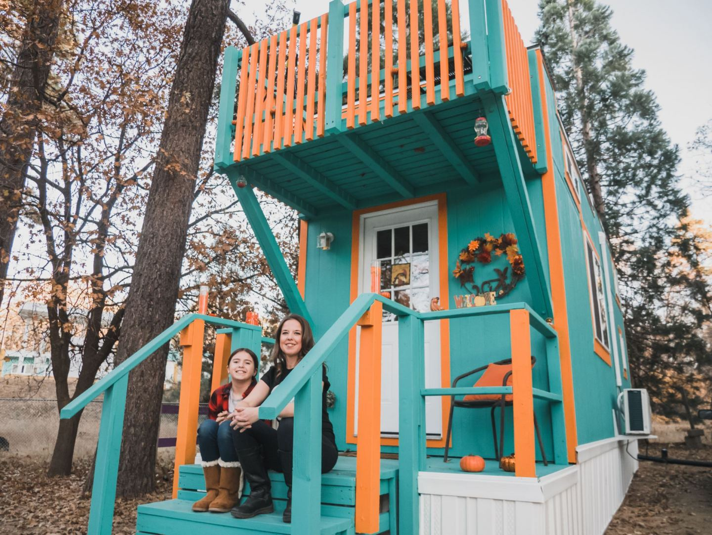 Single Mom Moves into Tiny House Village with Her Daughter to Live Simply
