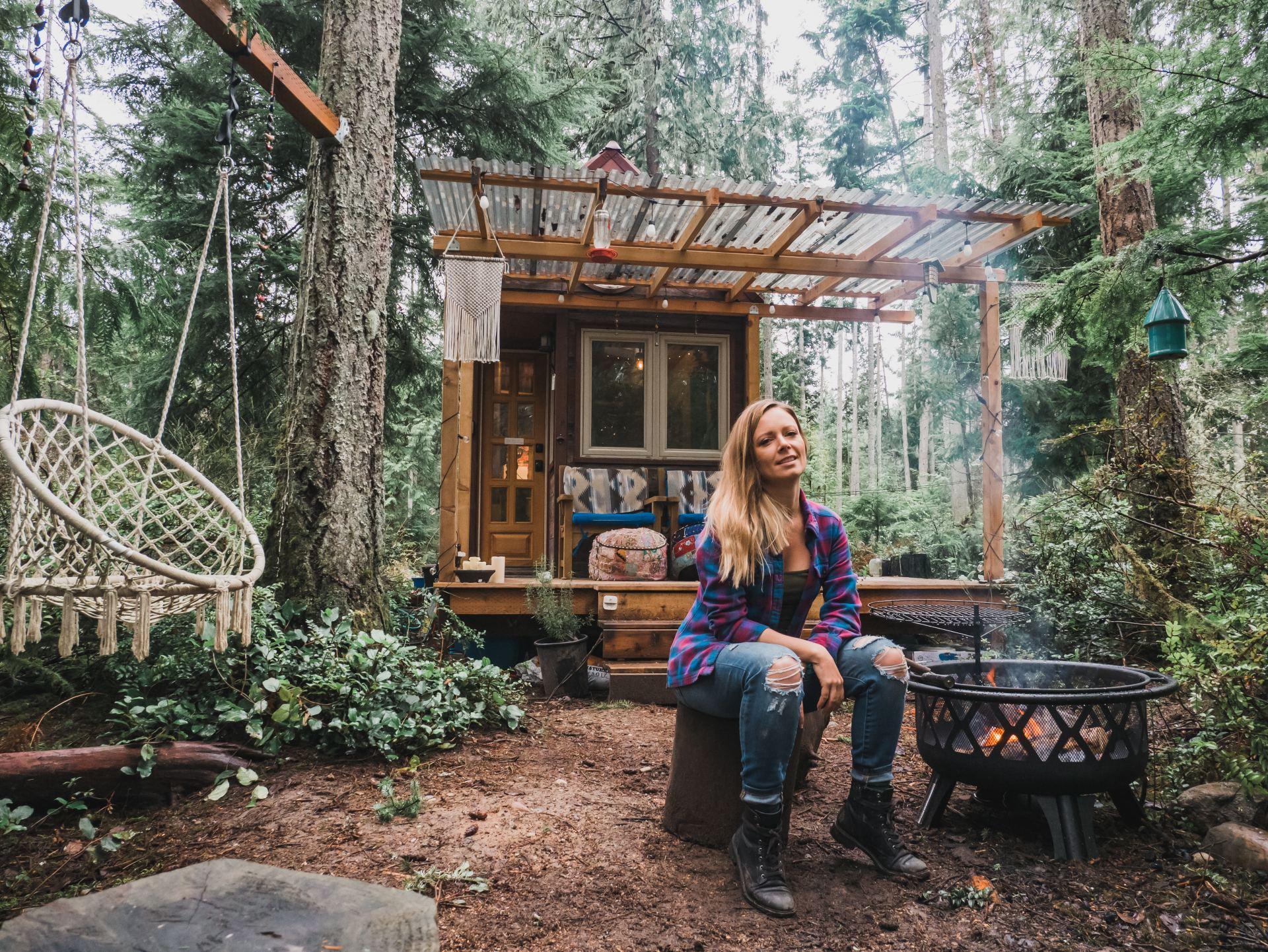 Jenna Portrait Exterior