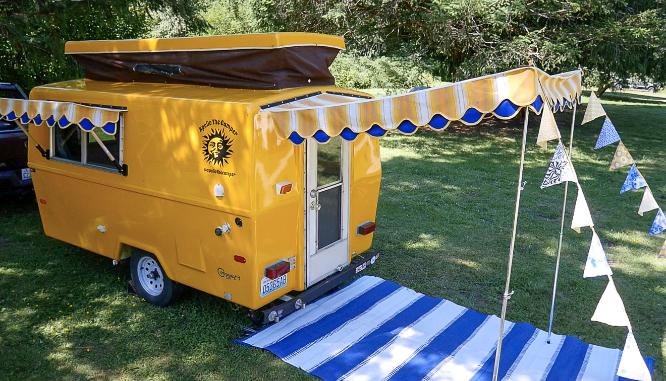 Adorable Awnings & Custom Cushions for a Vintage Camper