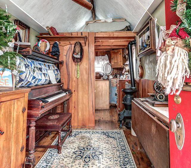 Grandma Builds Gorgeous Victorian Tiny House